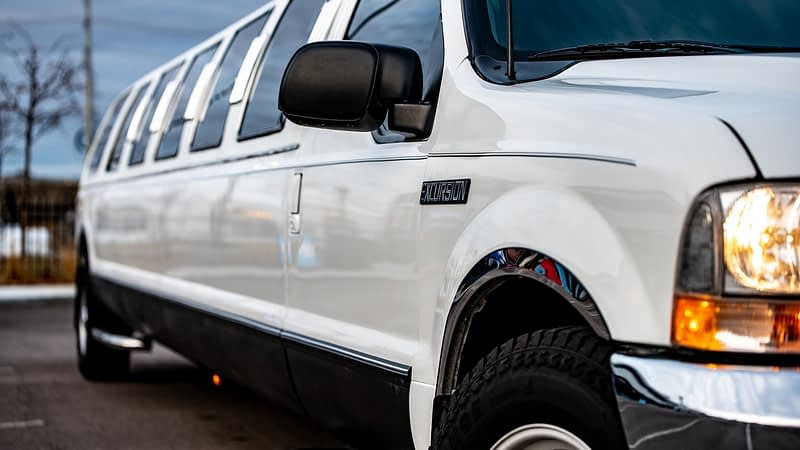 What You Need to Know About Getting a Limo Service